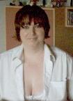 mollige Frau in Bluse